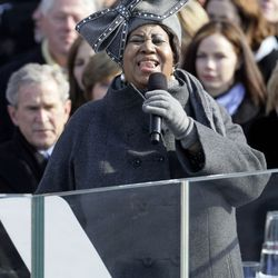 Aretha Franklin sings during the inauguration of Barack Obama January 20, 2009. | Alex Wong/Getty Images)