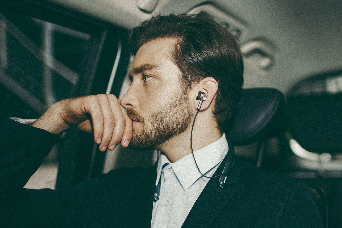 1More Bluetooth headphones