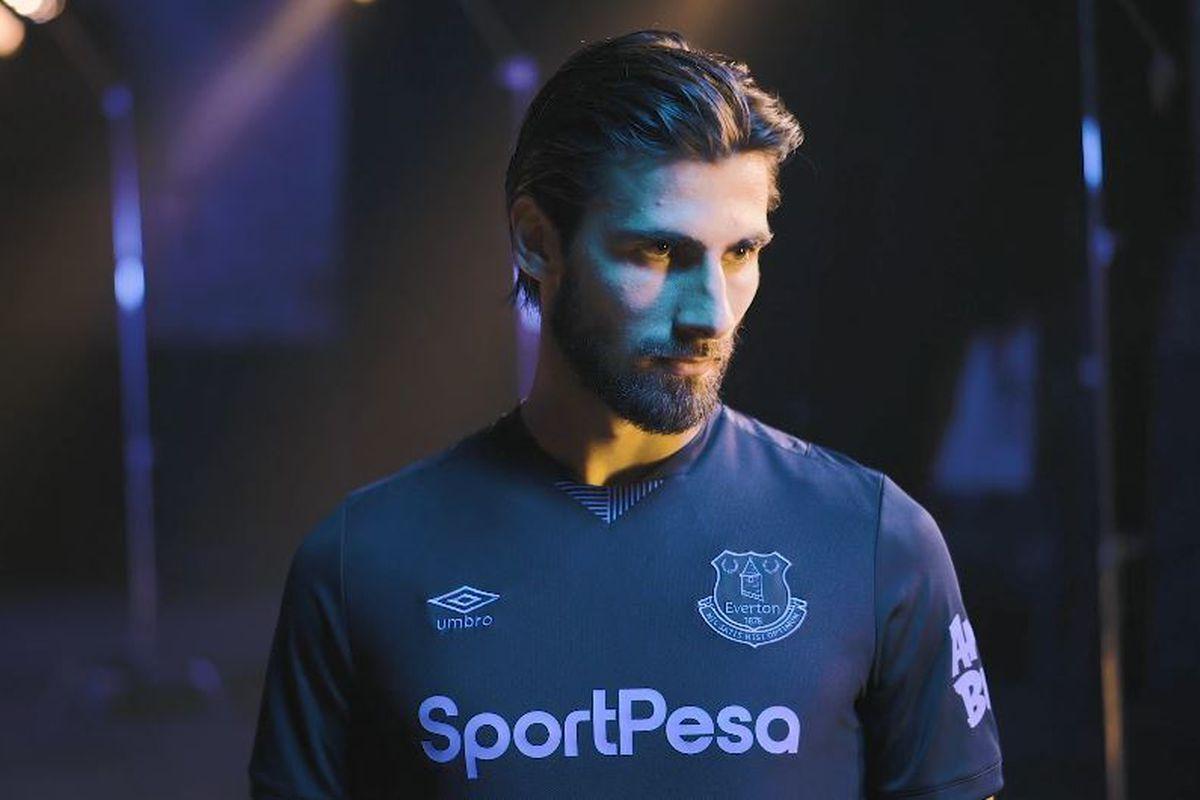 online store 852b4 57519 Everton release 'football smart' third kit for 2019-20 ...