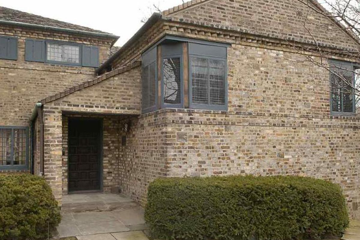 Pewabic pottery founder 39 s grosse pointe estate wants 775k for Stratton house