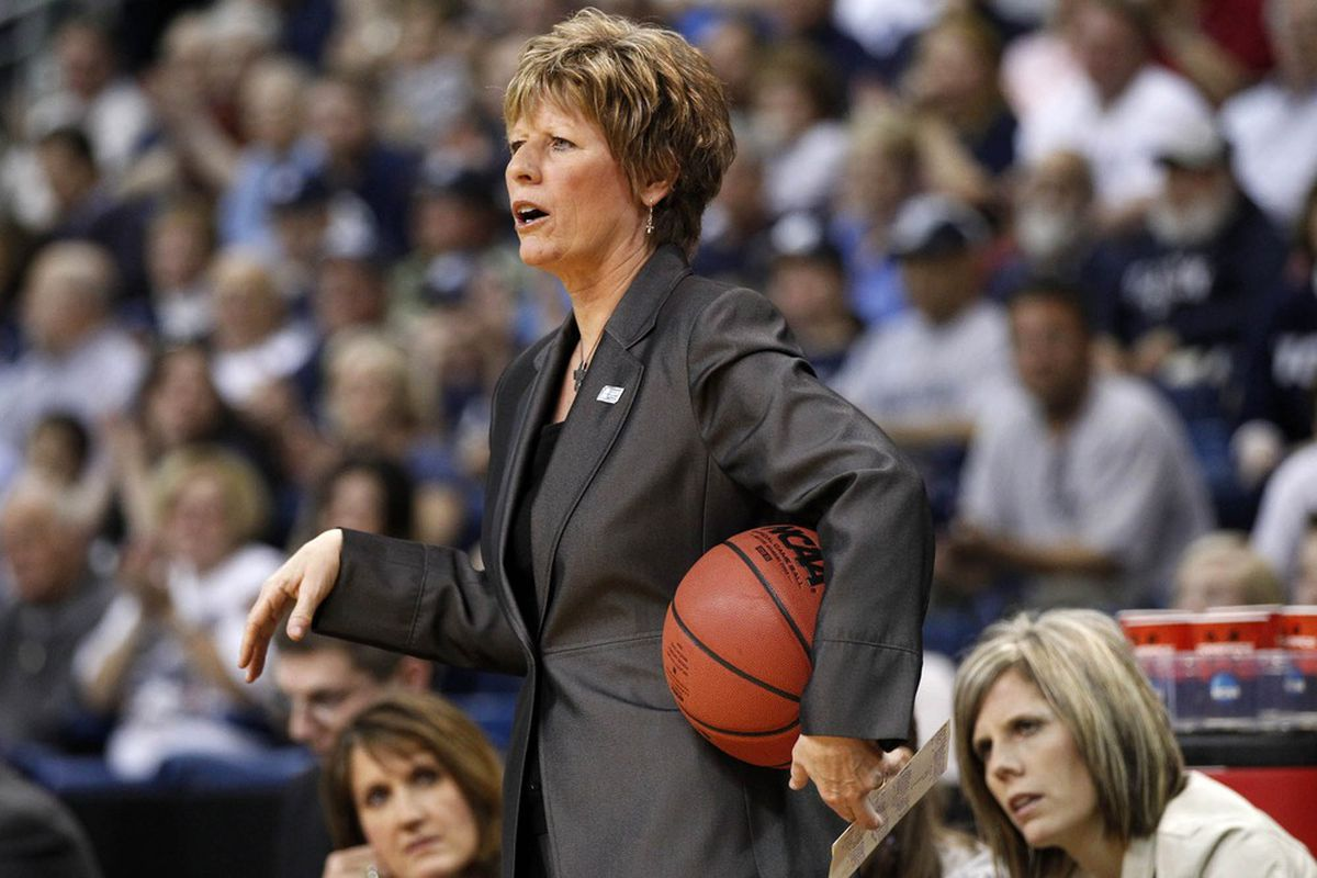 Deb Patterson will look for career win No. 16 against Iowa State