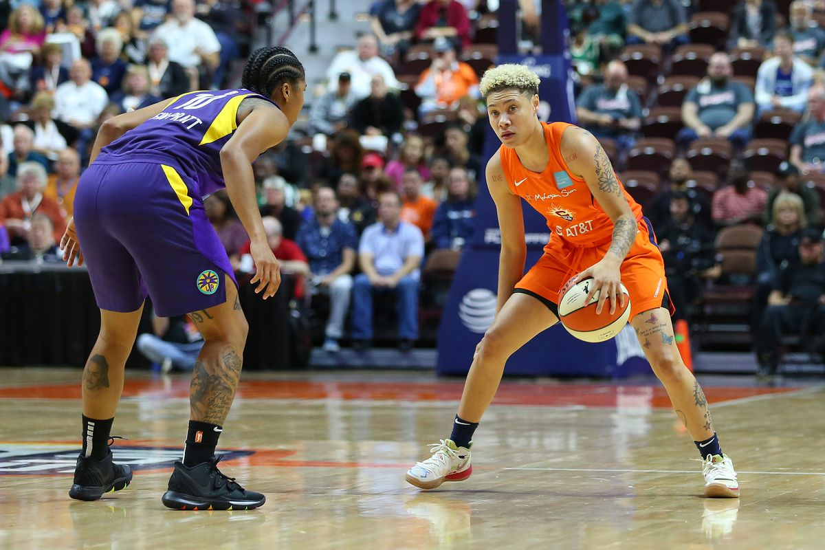 WNBA: SEP 19 Semifinals Game 2 - Los Angeles Sparks at Connecticut Sun