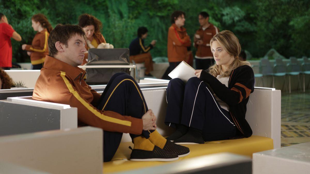 Dan Stevens as David Haller and Rachel Keller as Sydney Barrett in Legion.