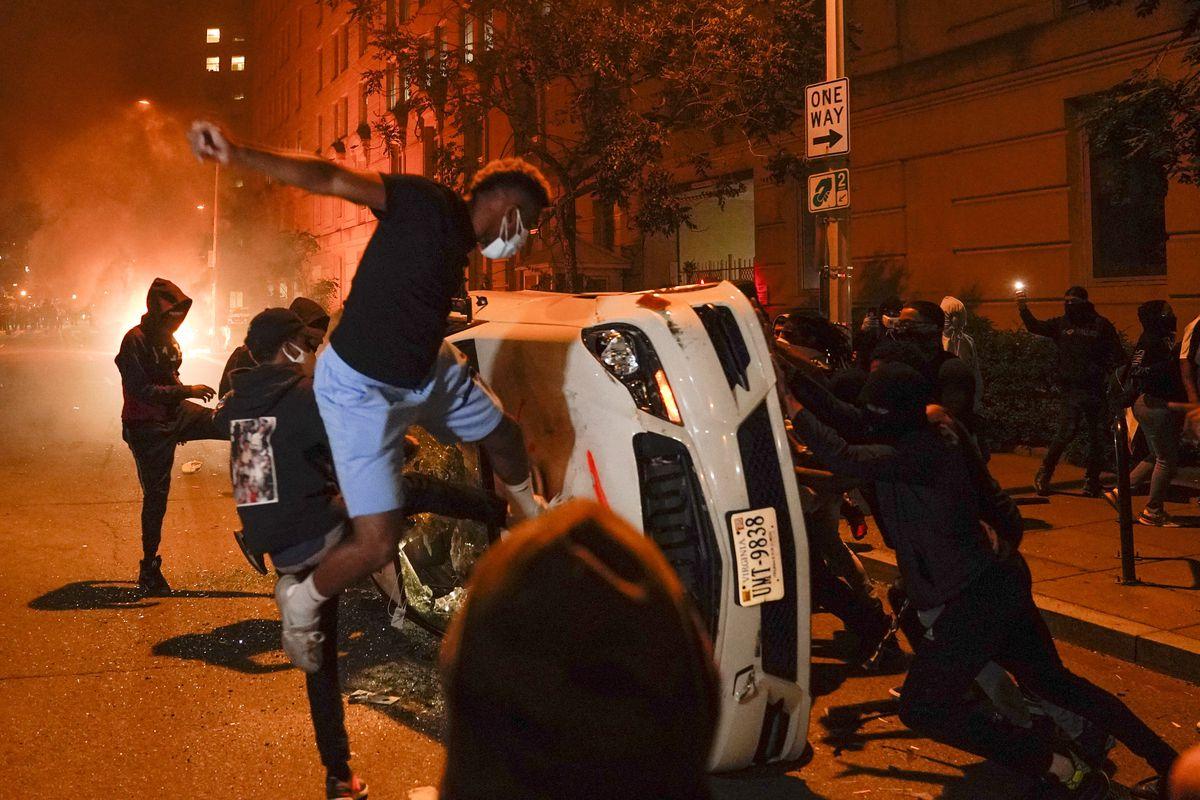 Riots 2020: Photos show New York, Minneapolis, Los Angeles ...