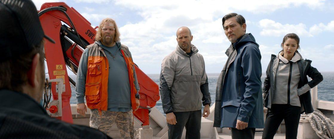 Olafur Darri Olafsson, Jason Statham, Winston Chao, and Bingbing Li in The Meg
