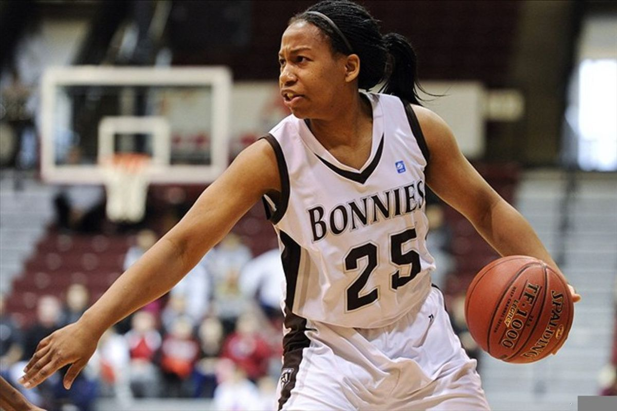 Senior guard Armelia Horton gave St. Bonaventure a much-needed 17 points in their win over Florida Gulf Coast in the first round of the 2012 women's basketball tournament. <em>Howard Smith-US PRESSWIRE</em>
