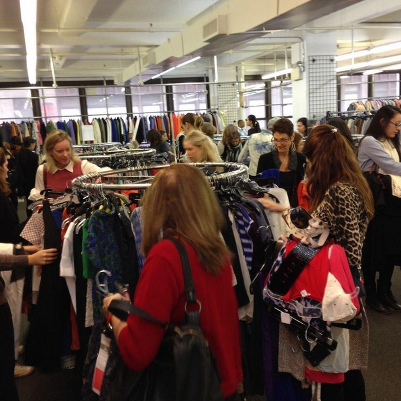 New york sample sale alert: club monaco | fashion. Style. Beauty.