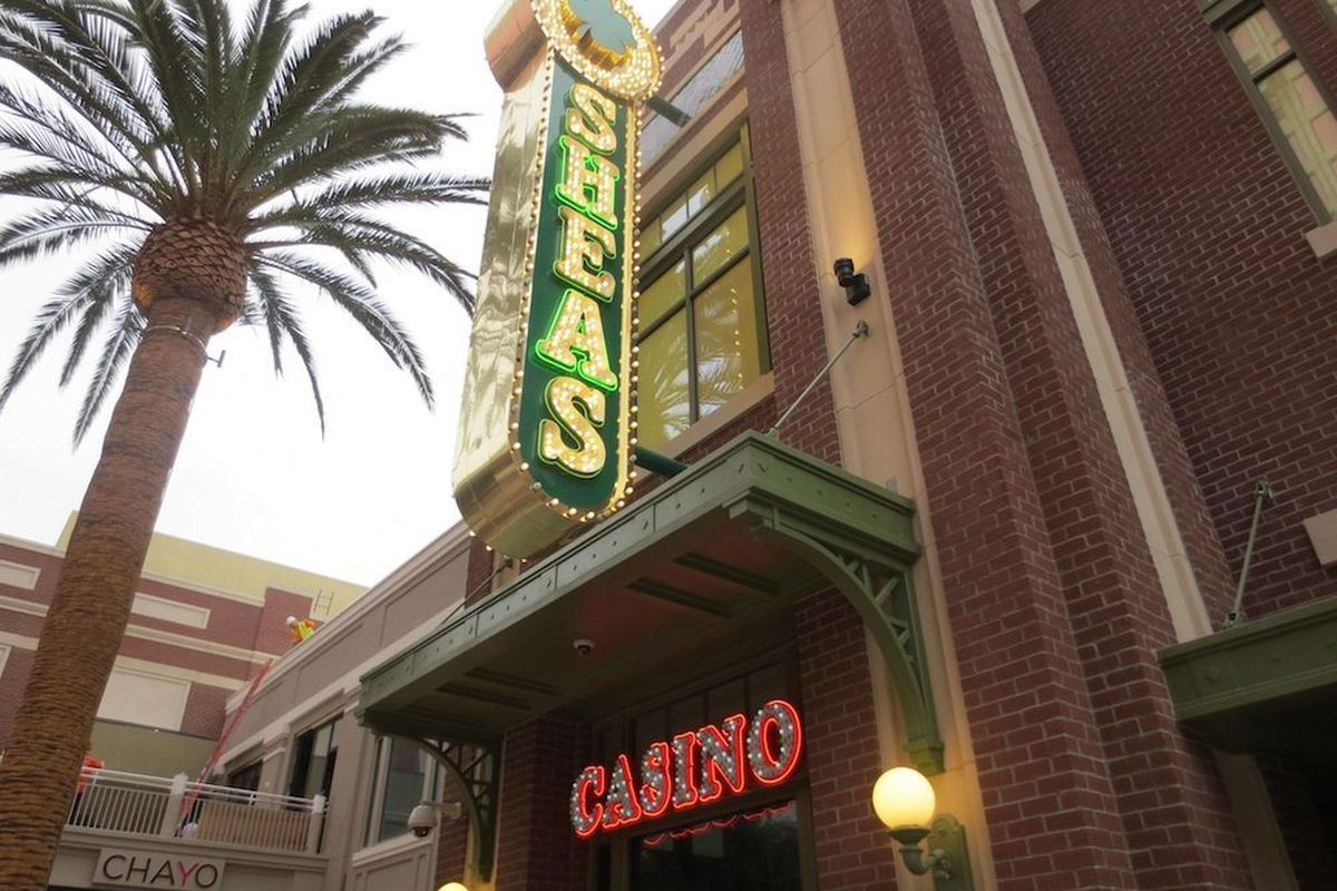 The entrance to O'Shea's from The Linq.