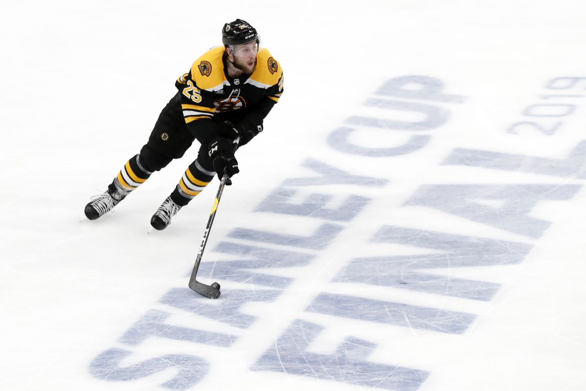 Bruins sign Brandon Carlo to a contract extension