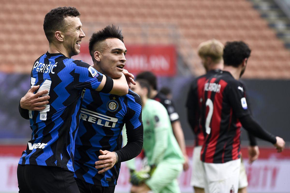 Lautaro Martinez (C) of FC Internazionale celebrates with...
