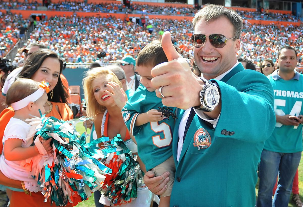 Rams v Dolphins