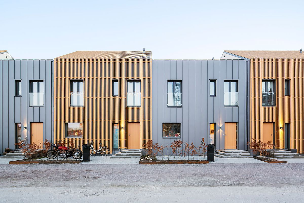 Homes with alternating facades