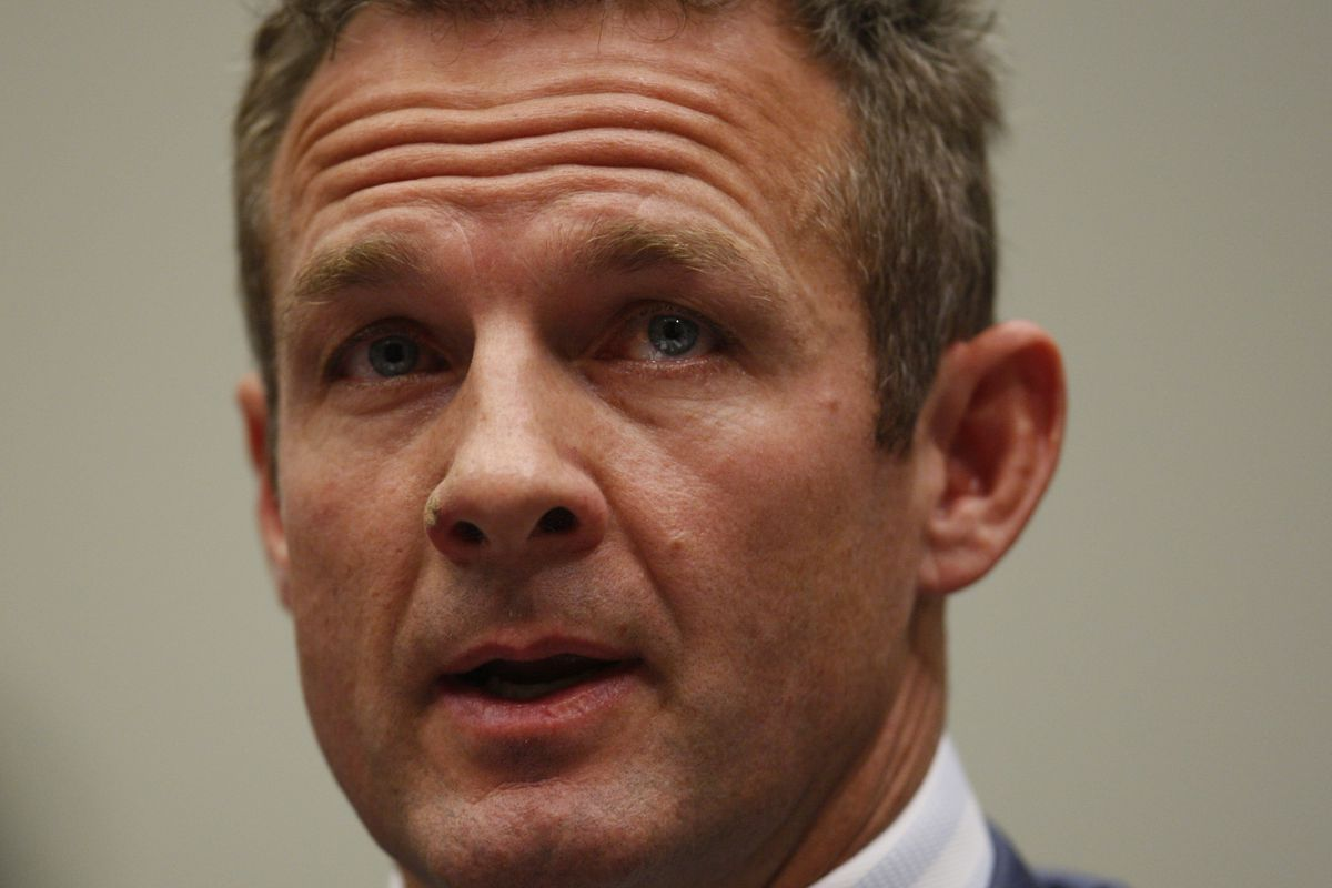 Former NFL running back Merril Hoge testifies on Capitol Hill in Washington, Wednesday, Oct. 28, 2009, before the House Judiciary Committee hearing on legal issues relating to football head injuries. (AP Photo/Charles Dharapak)