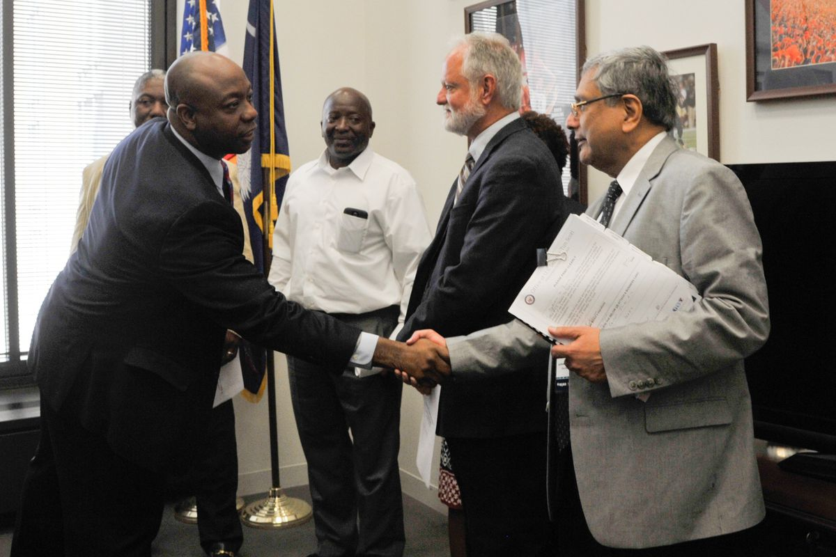 NAMM members meet with Sen. Tim Scott and his staff in the Hart Senate Office Building.