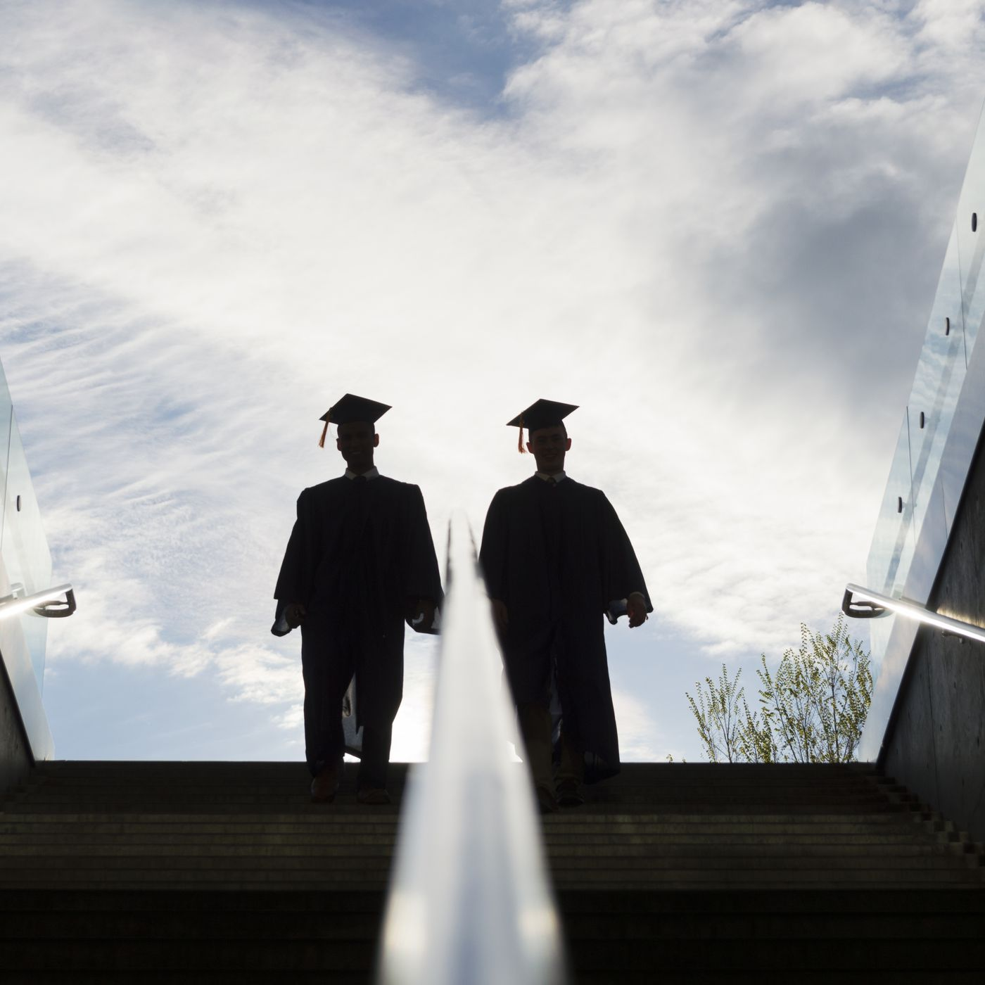 Unemployed Graduates Struggle To Find Jobs In The Covid 19 Market Vox