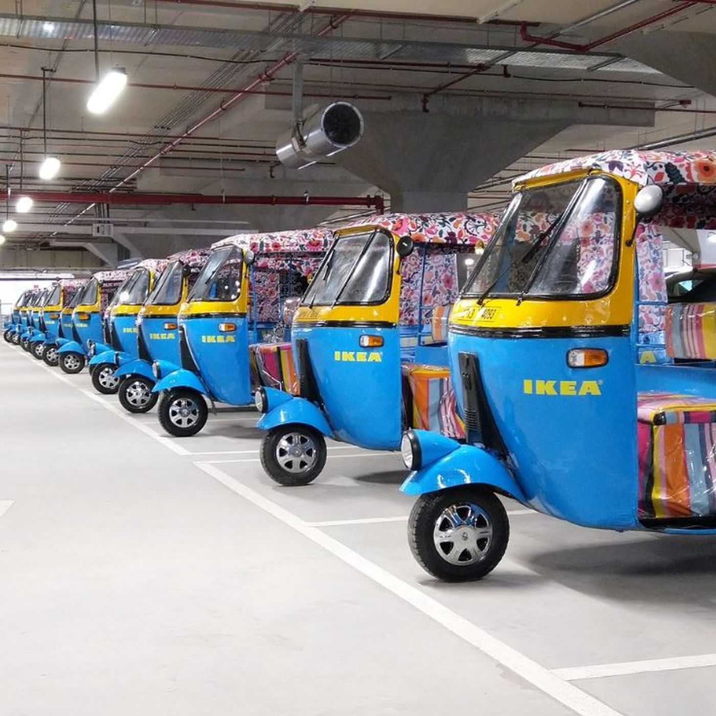 Ikeas India Store Offers Delivery By Solar Powered Rickshaws Curbed