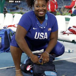 Michelle Carter Athlete >> U S Shot Putter Michelle Carter Makes History As She Pulls