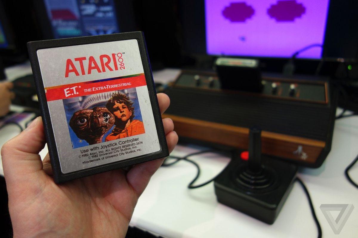 Atari 2600 game console stock 1020