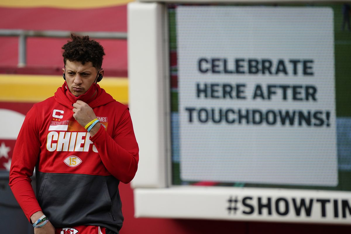 Kansas City Chiefs quarterback Patrick Mahomes (15) before playing against the Cleveland Browns in the AFC Divisional Round playoff game at Arrowhead Stadium.