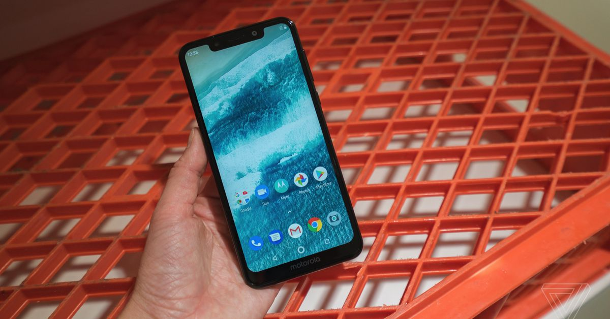 Android Pie is Rolling Out for the Notched Motorola One