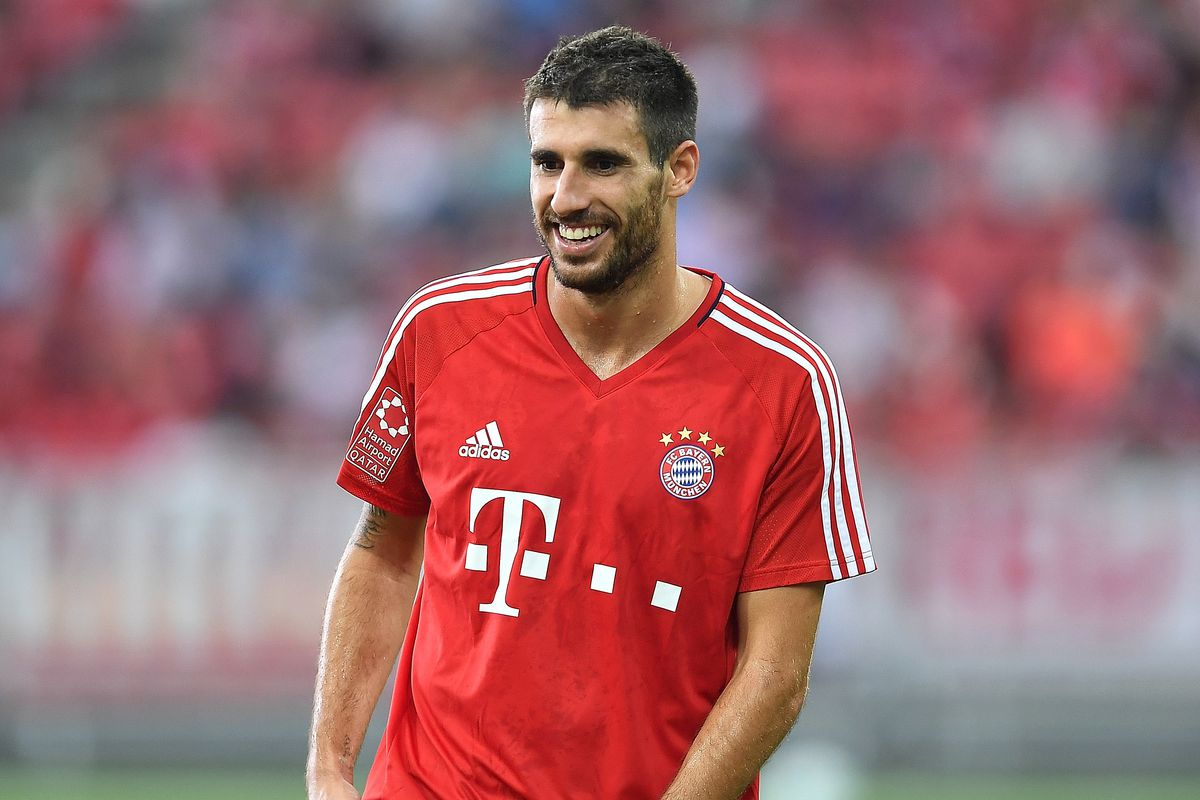 Javi Martinez honored to be the first Spaniard to captain Bayern