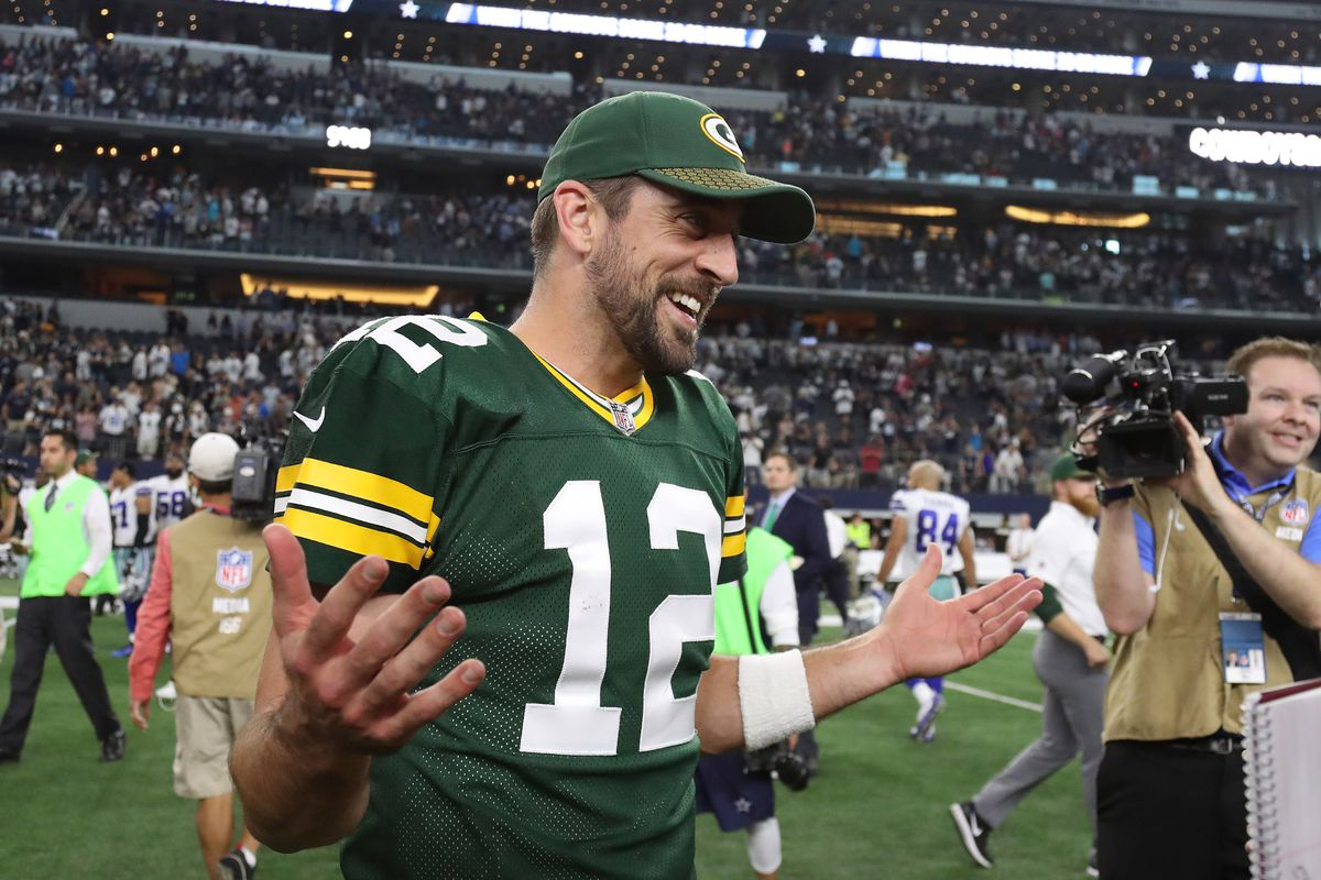 Aaron Rodgers Doesn T See Logic In Packers Signing Ex Cowboy