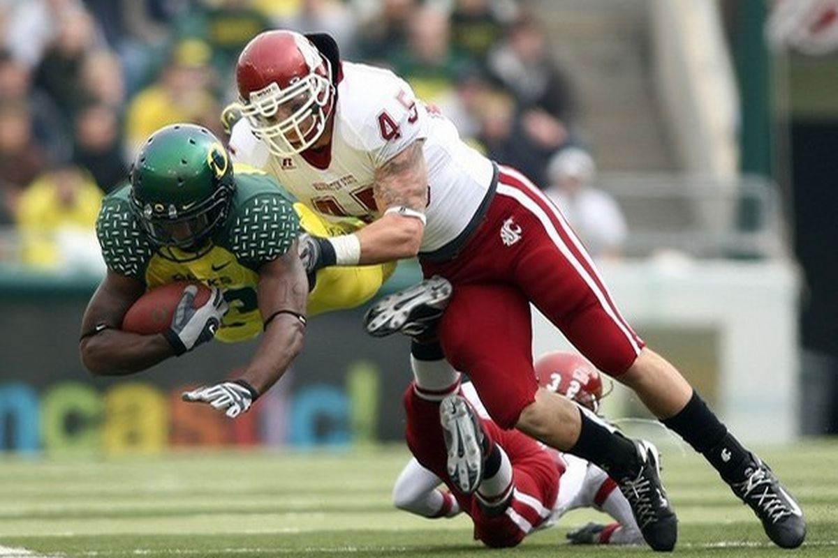 """Back at outside linebacker full time, will Andy Mattingly return to the form that made him a terror for opposing offenses? (via <a href=""""http://cache.daylife.com/imageserve/0de8gez7zpc0y/610x.jpg"""">cache.daylife.com</a>)"""