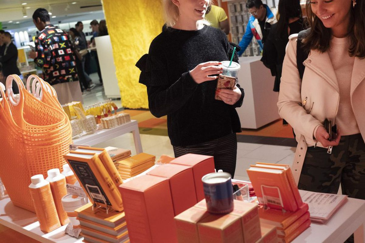 Macy S Unveils Story A New Store Experience In Chicago Chicago