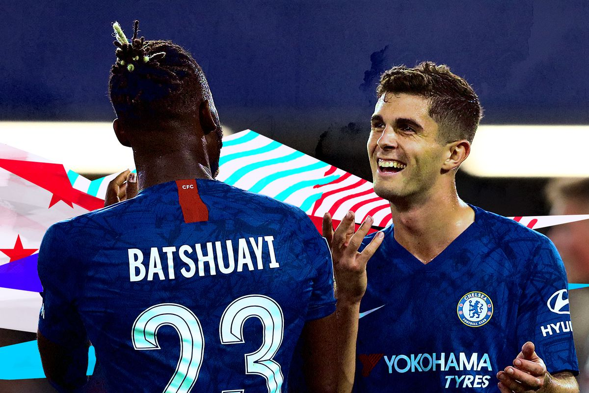Christian Pulisic and Michy Batshuayi celebrate a Chelsea goal together