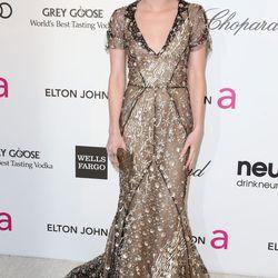 Emma Roberts wore spangly Oscar de la Renta.