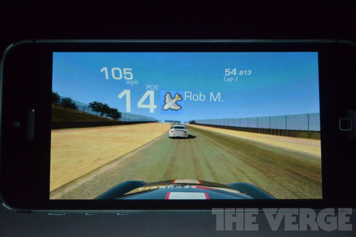 """via <a href=""""http://d35lb3dl296zwu.cloudfront.net/uploads/photo/image/8188/iPhone5_0273.jpg"""">d35lb3dl296zwu.cloudfront.net</a>"""