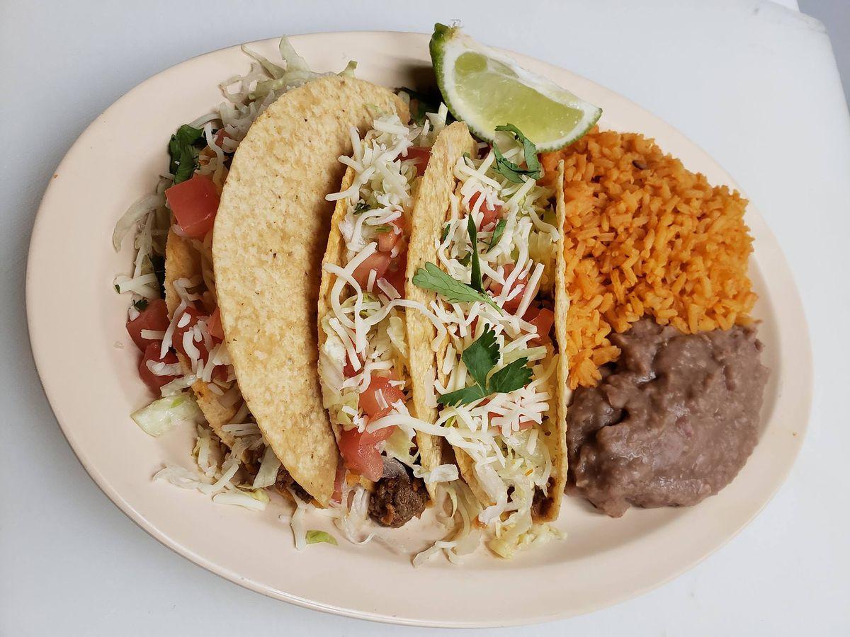Crunchy tacos from Ñoños Tacos