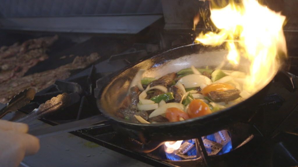 Fajitas being cooked at Tecalitlan restaurant.   Brian Rich/Sun-Times