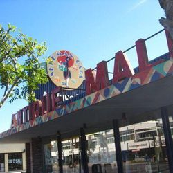 """Finally, cap off your day with a major treasure hunt at the <a href=""""http://www.soantiquemall.com"""">Sherman Oaks Antique Mall</a> (14034 Ventura Blvd). Packed with tons of vendors specializing in everything from Art Deco glassware, mid-century modern furni"""