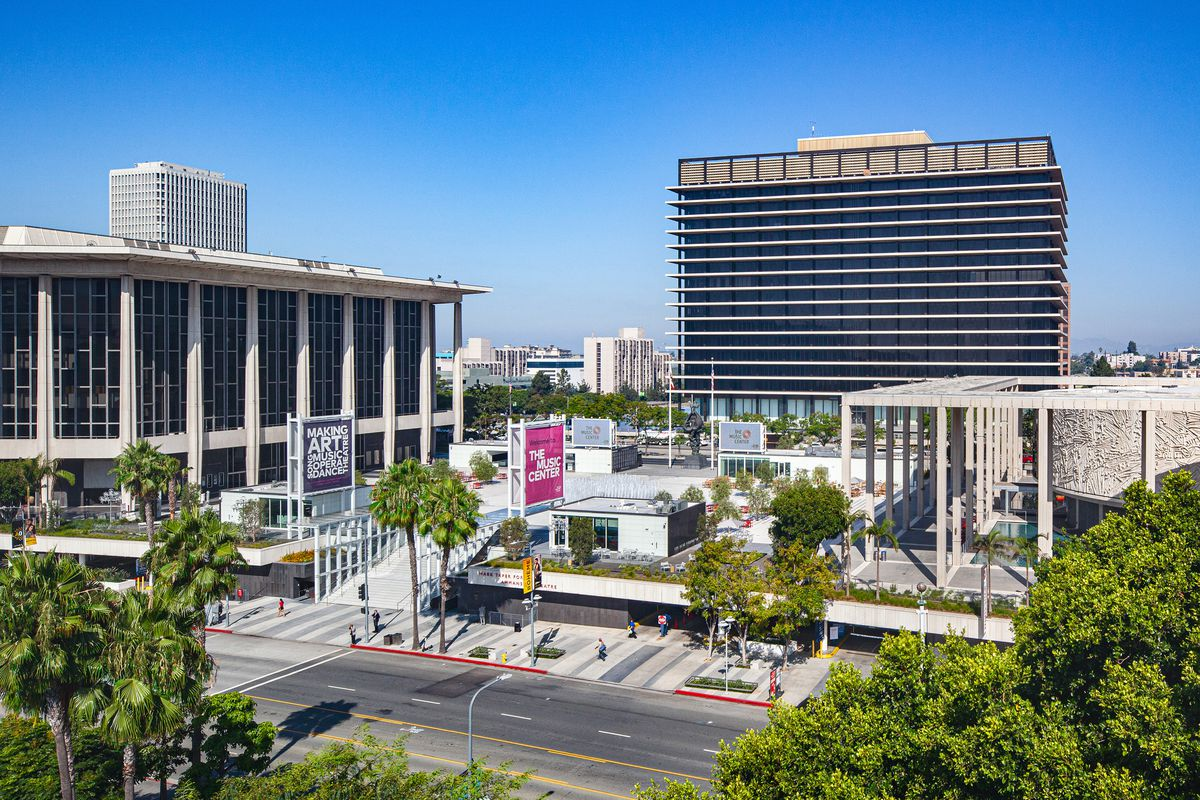 Music Center Plaza Reopens After 41m Renovation Curbed La