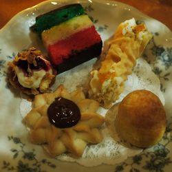 "Torrisi cookie plate by <a href=""http://www.flickr.com/photos/empressm/5542180850/sizes/z/in/pool-29939462@N00/"">EmpressM</a>. <br />"