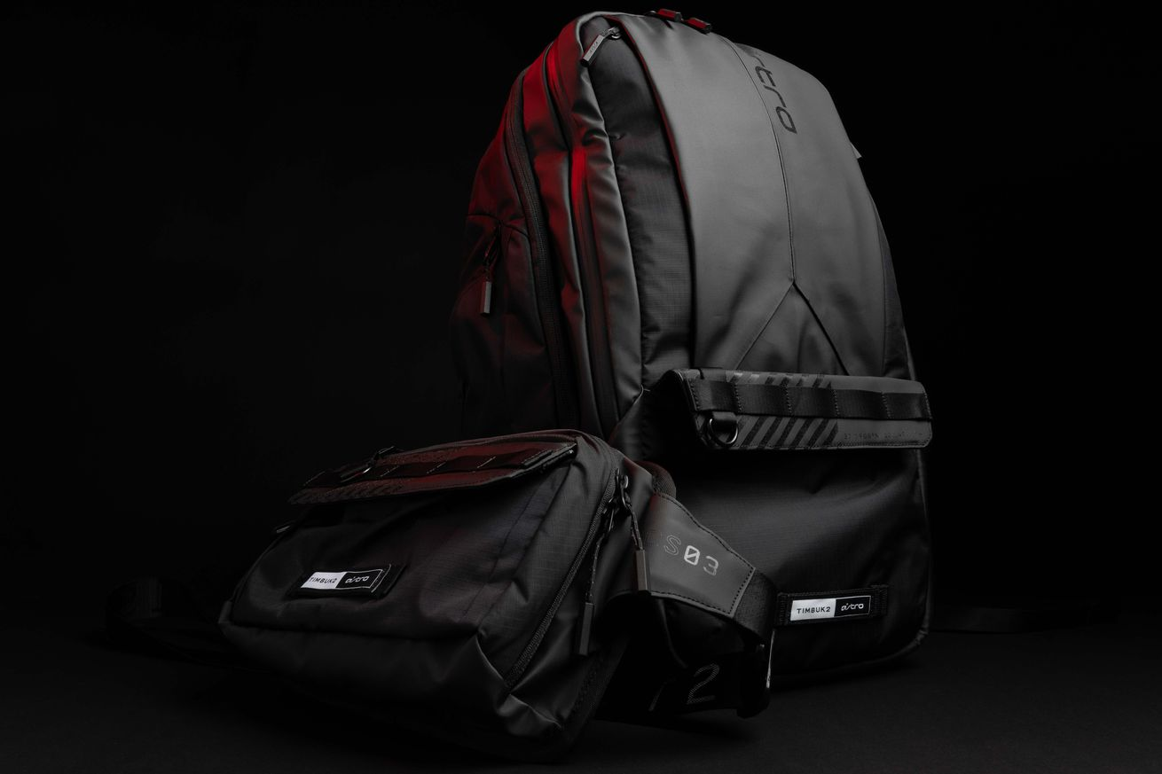 Astro BP35 backpack and CS03 sling bag