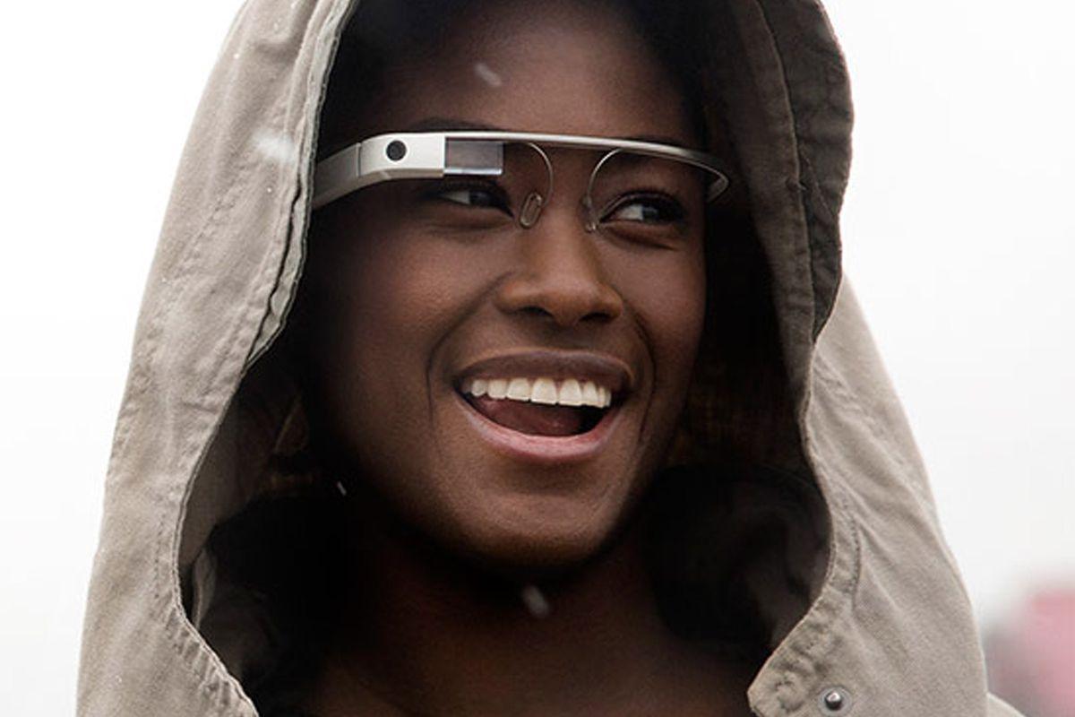 "Image via <a href=""https://www.google.com/glass/start/"">Google Glass</a>."