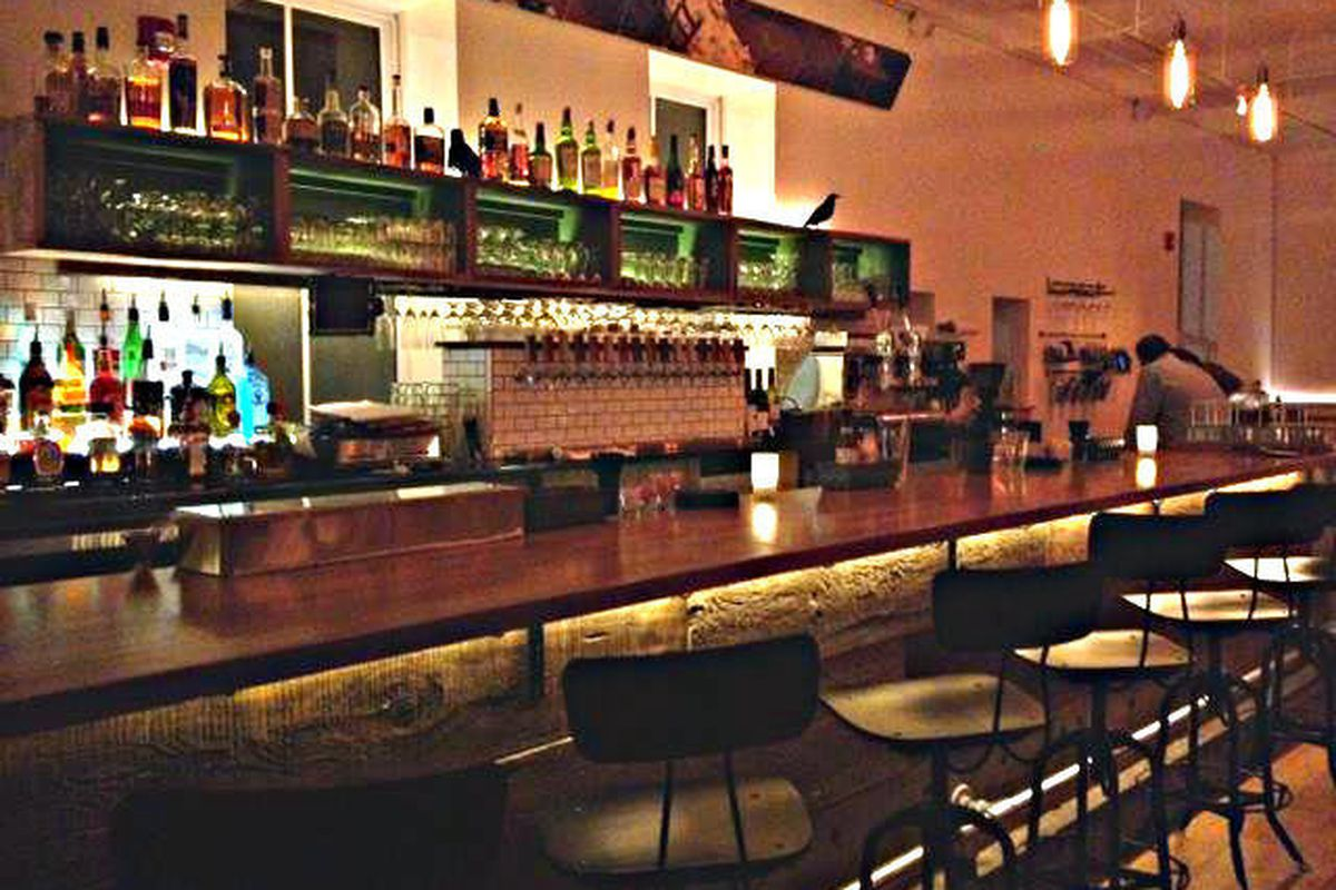 The bar at 3Crow Restaurant & Bar in Rockland