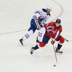 Burakovsky Looks To Pass