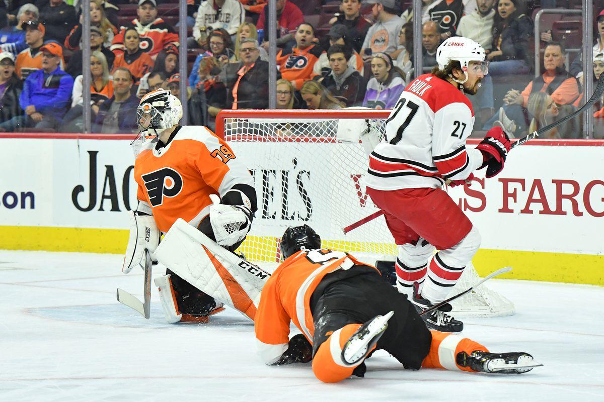 NHL: Carolina Hurricanes at Philadelphia Flyers