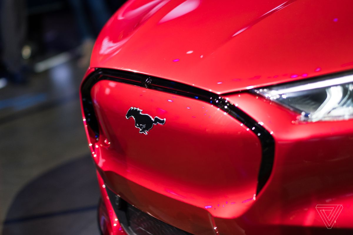 Ford Electric Car >> Up Close With Ford S Electric Mustang Suv The Mach E The