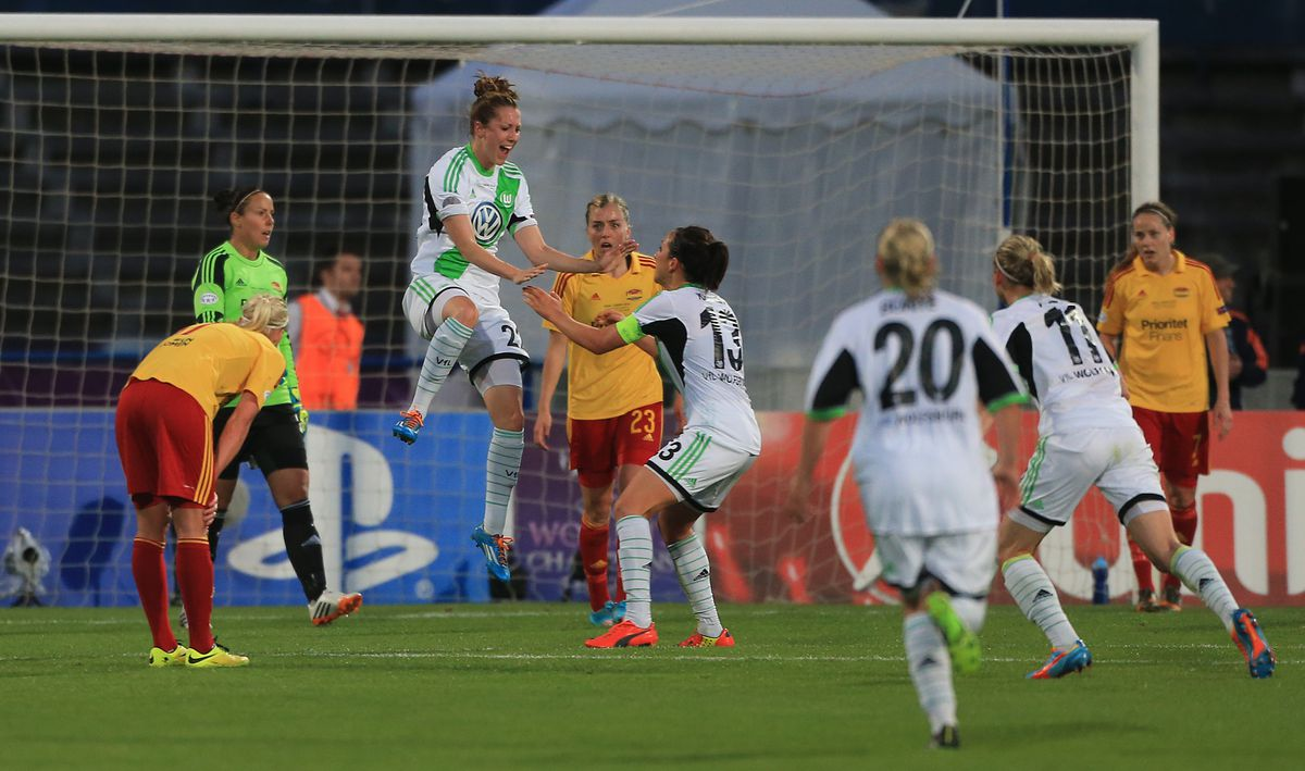 Soccer - UEFA Women's Champions League - Final - VfL Wolfsburg v Tyreso FF - Estadio Do Restelo