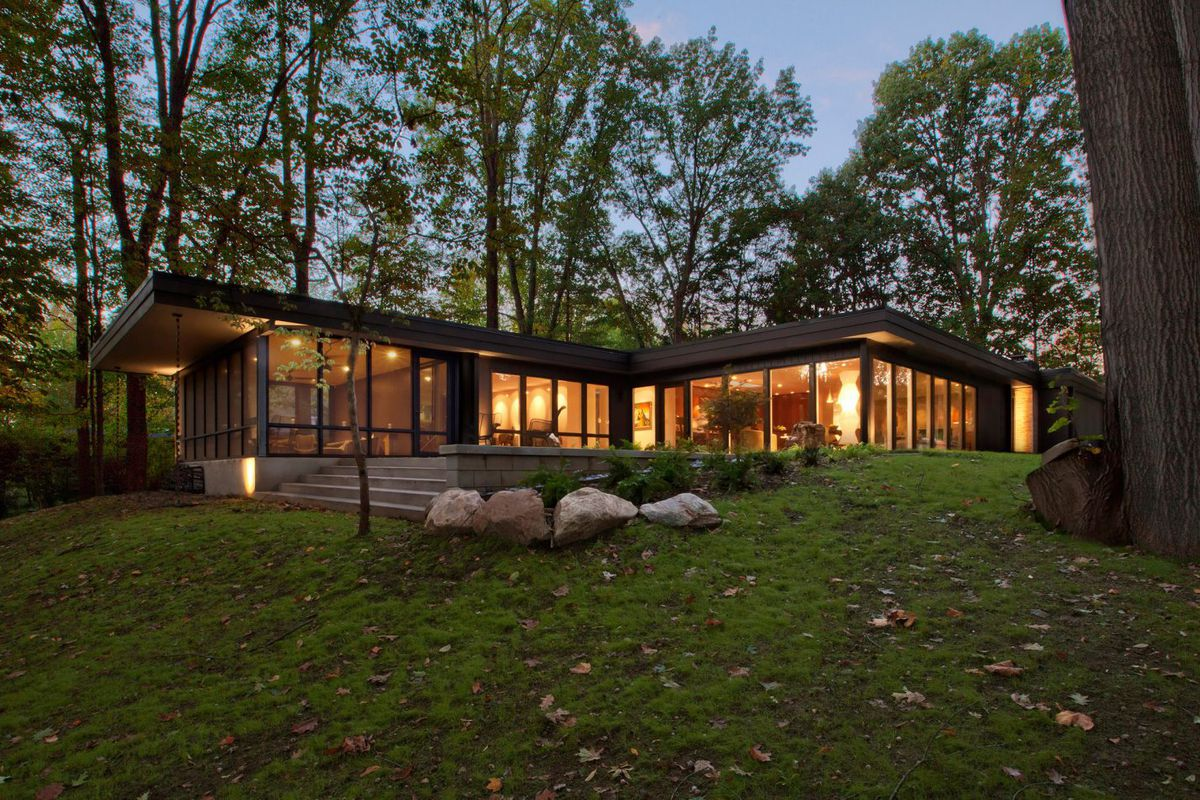 1950s home gets contemporary overhaul in Indiana - Curbed