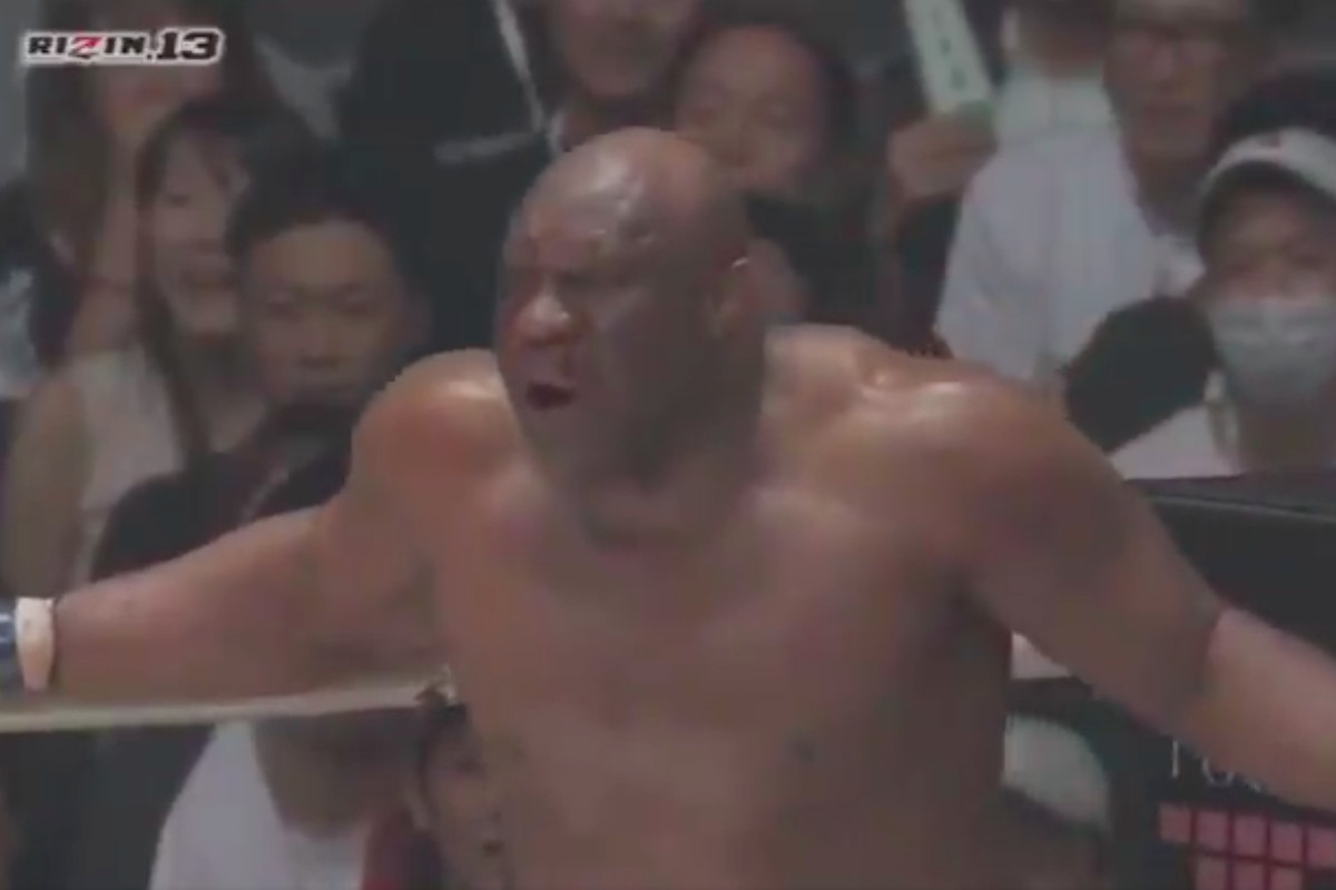 05fbc9004 Bob Sapp on the verge of winning his first MMA fight in over eight years  @ebgteddy, Twitter