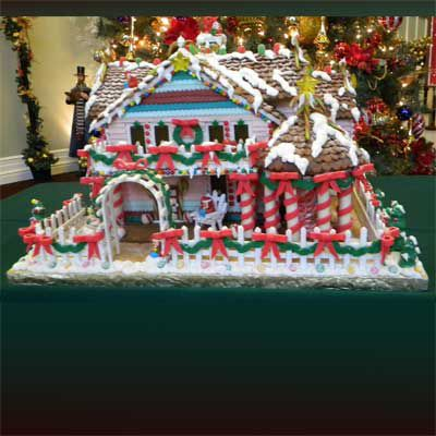 Gingerbread house replicating the painted lady home.