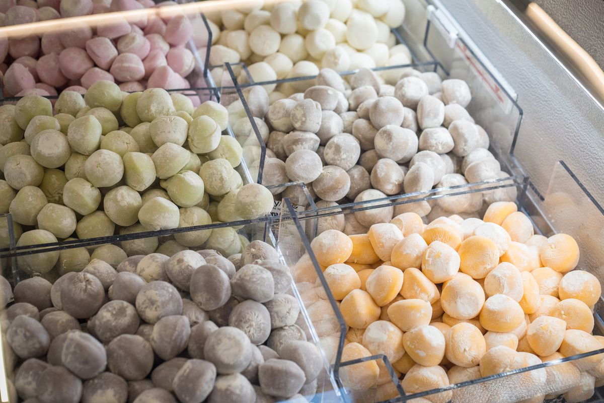The mochi bar at 365 by Whole Foods