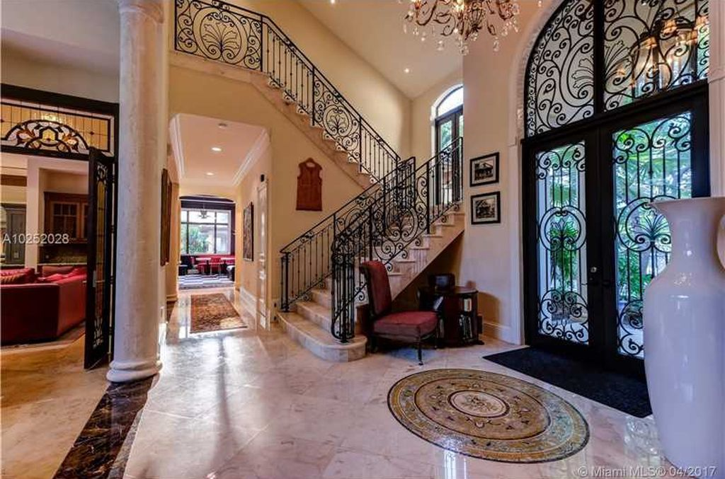 new arrival 73ab5 f0237 Hardaway purchased the home for  3.665 million in 2009. It s listed with  Goldman Residential Group.