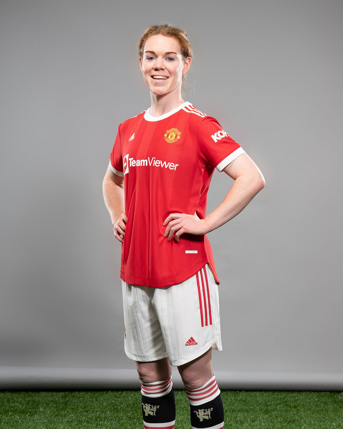 Manchester United Women Unveil New Signing Aoife Manning