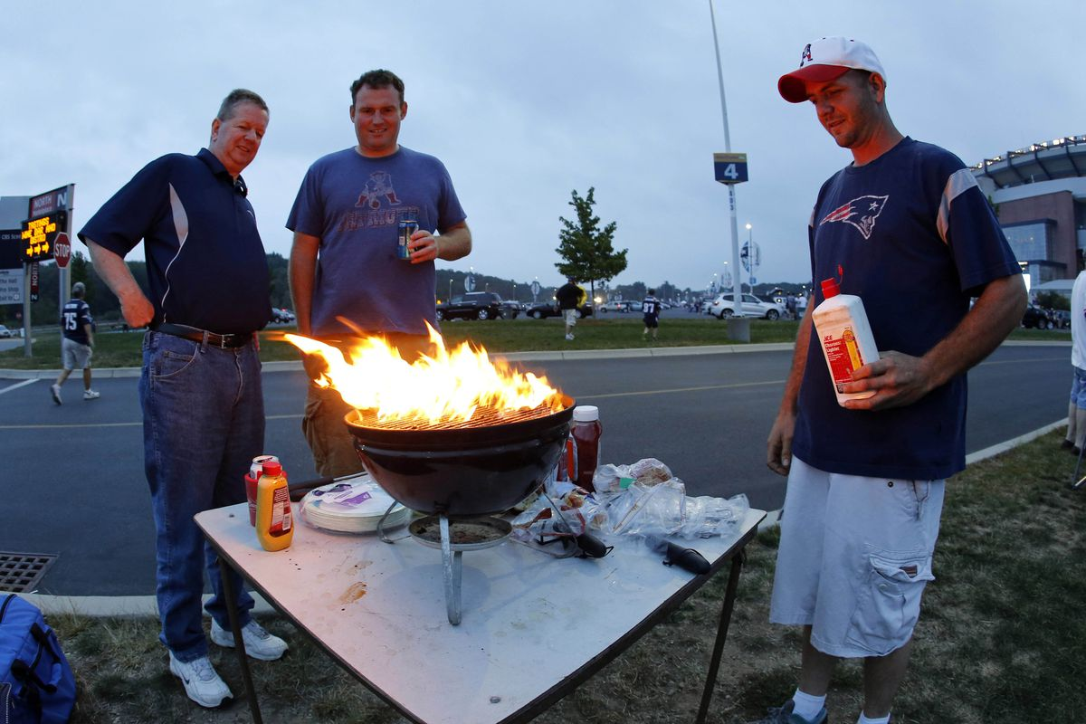 They really shouldn't let Patriots fans handle fire like that.